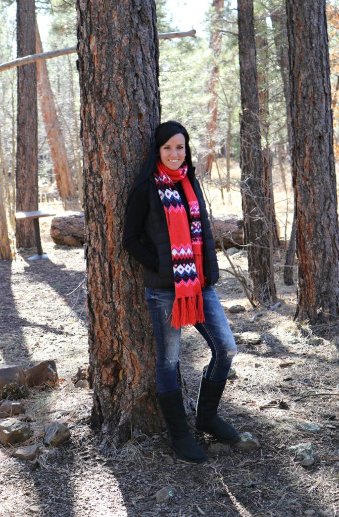 Cabin Getaway | Casual Holiday Outfit | Teacherfashionista | Jules