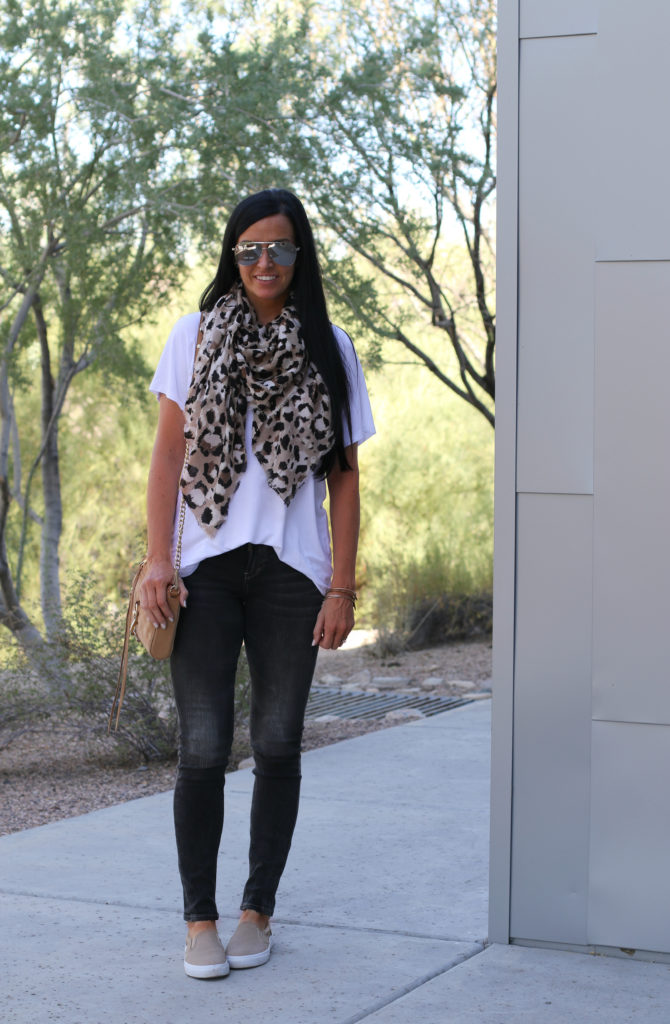Silver Jeans | Black Skinny Jeans | Dress up or down | Teacherfashionista | Jules
