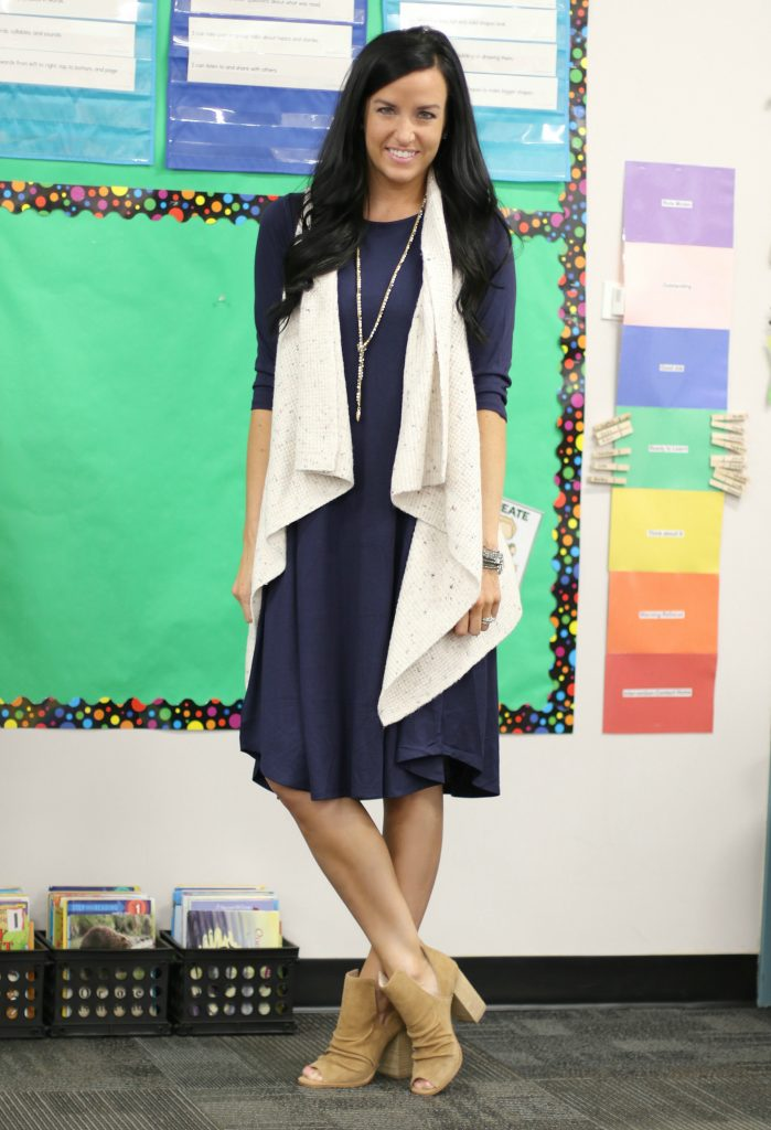 3 Fall Looks in an Everyday Dress | Teacherfashionista | Jules
